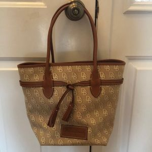 NWOT Dooney and Bourke Jenna Bag